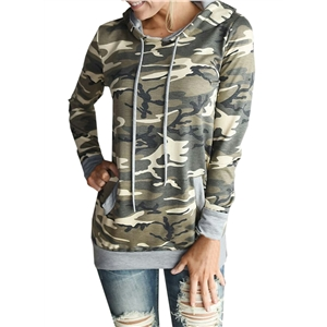 Camo Graphic Hooded Pullover Sweatshirt