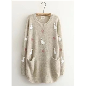 Embroidered Double Pocket Round Neck Knit Pullover Sweater