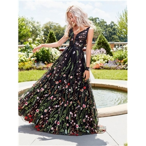 Sexy deep V sleeveless embroidered dress Slim backless big swing skirt prom dress long skirt