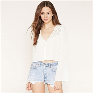 Fresh and fashionable lace stitching loose short paragraph navel long-sleeved chiffon cardigan