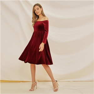 Autumn and winter tri-color velvet one-shoulder dress