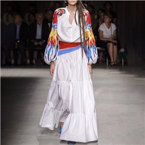 Multicolored embroidered long-sleeved belt with a large dress