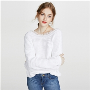 White minimalist front and back V-necked long-sleeved shoulder-length loose knit sweater