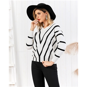 Black and white contrast color pullover print knit sweater