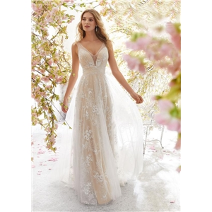 White sexy V-neck sleeveless lace wedding dress wedding dress