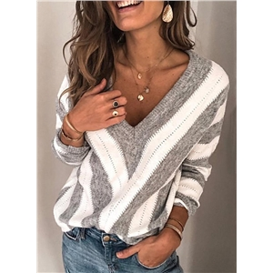 V-shaped stripe stitching hollow pullover sweater
